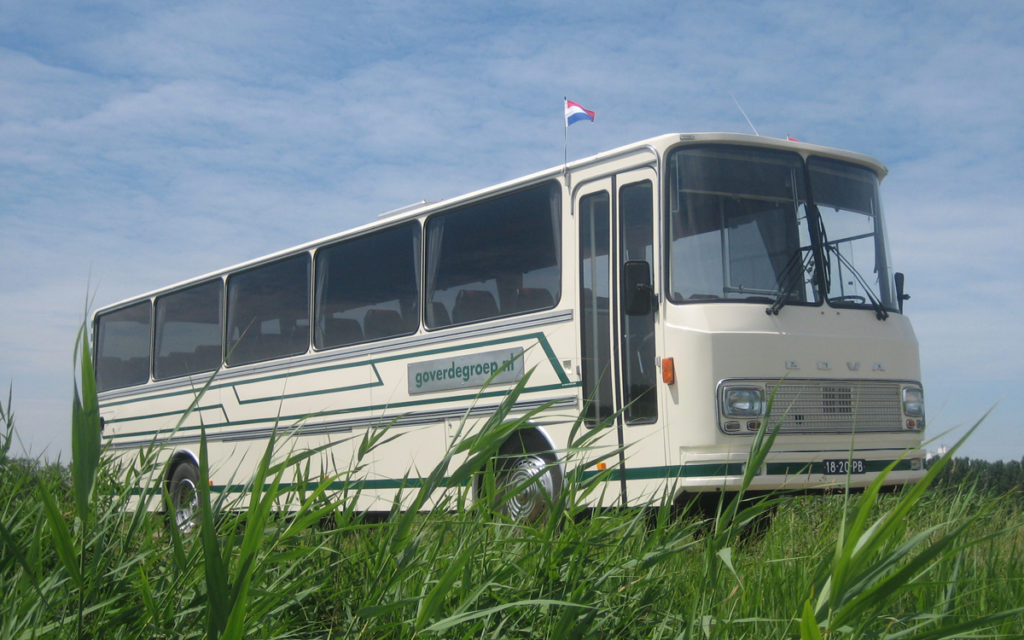 ruime oude oldtimer bus Bova