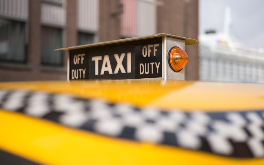 oud taxi sign