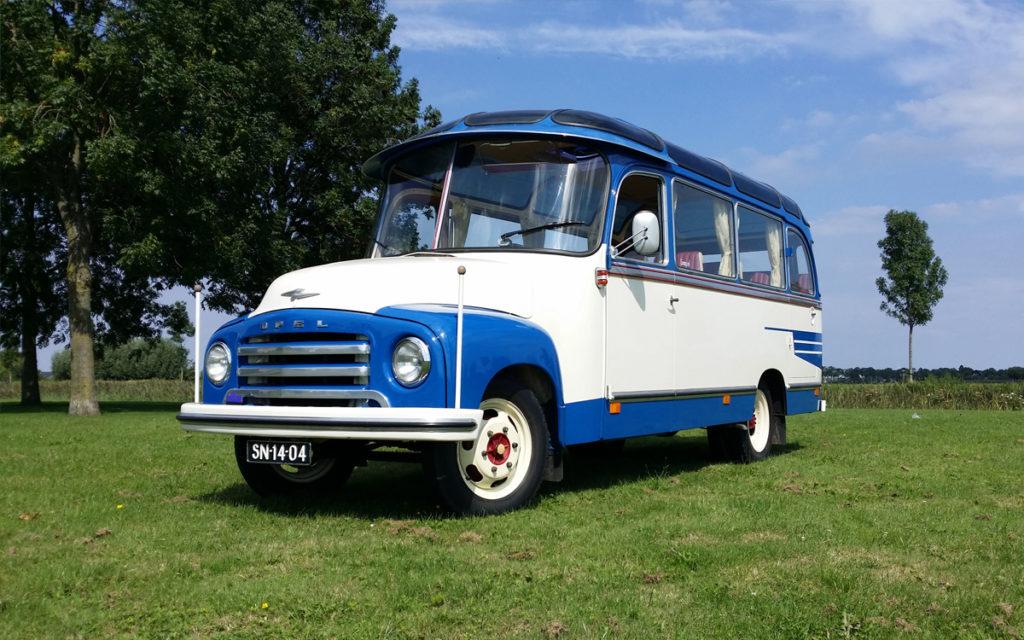 Oldtimer bus huren in stijl