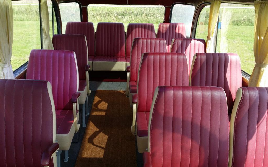 Zitplaatsen Opel Blitz oldtimer bus