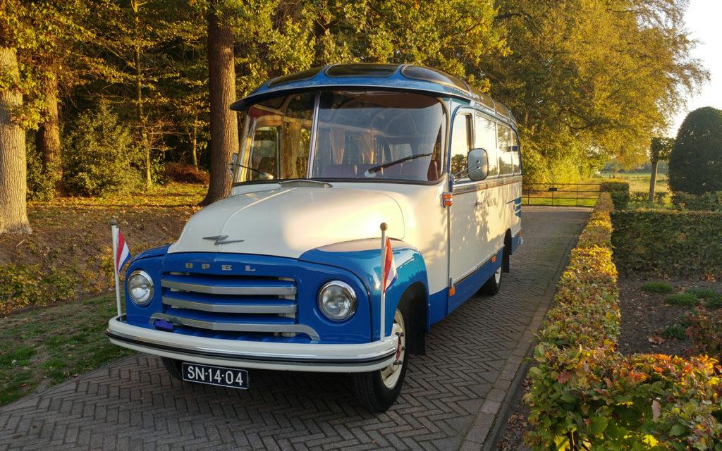Origineel en opvallende oldtimer bus