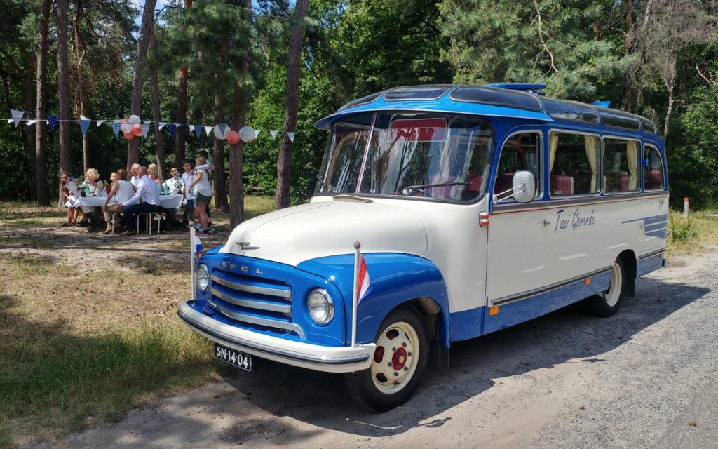 verhuur familiefeest oldtimer bus
