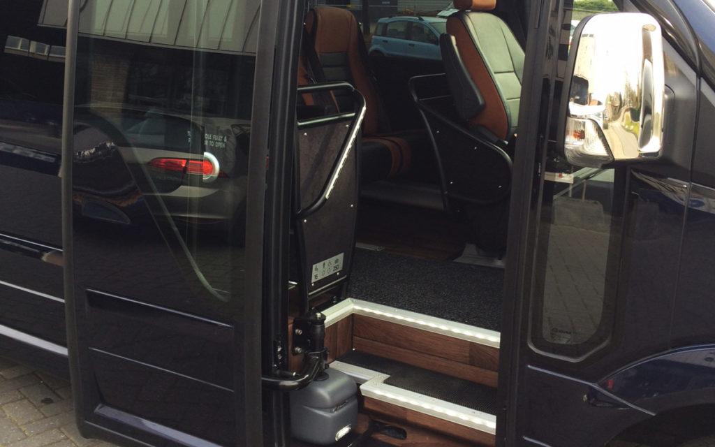 ruime instap vip bus
