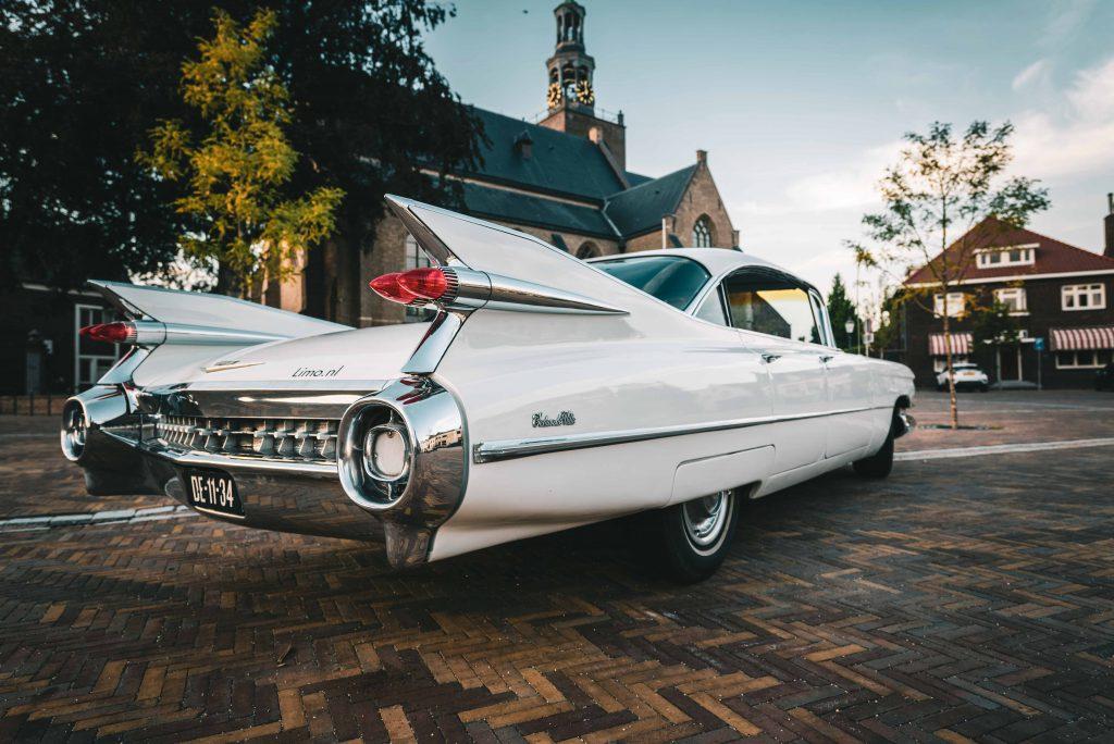 Cadillac achterkant schuin