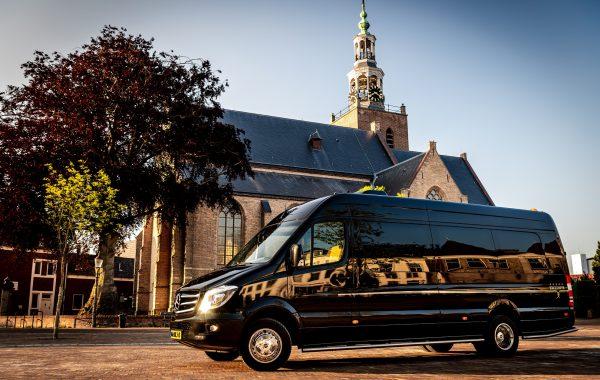 Mercedes VIP bus zwart